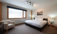 Shin Shin Bedroom with Seating Area | Lower Hirafu