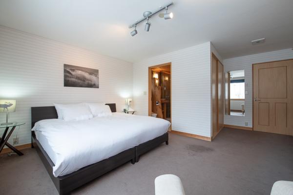 Shin Shin Spacious Bedroom | Lower Hirafu