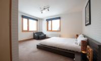 Shin Shin Spacious Bedroom with Carpet | Lower Hirafu