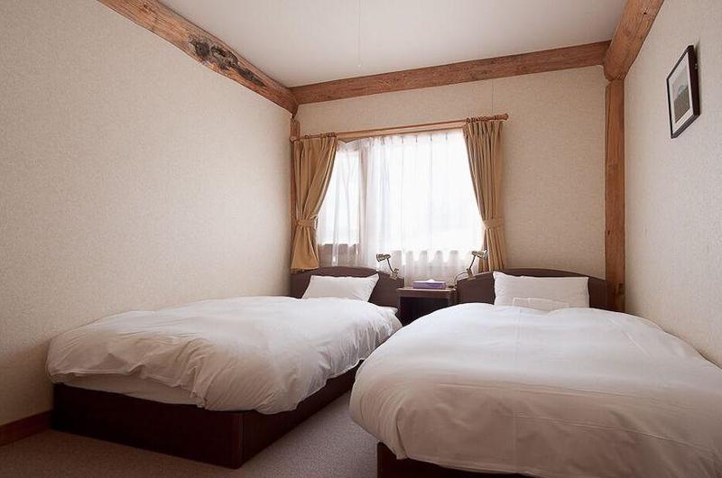 Silver Birch Bedroom with Twin Beds | Upper Hirafu