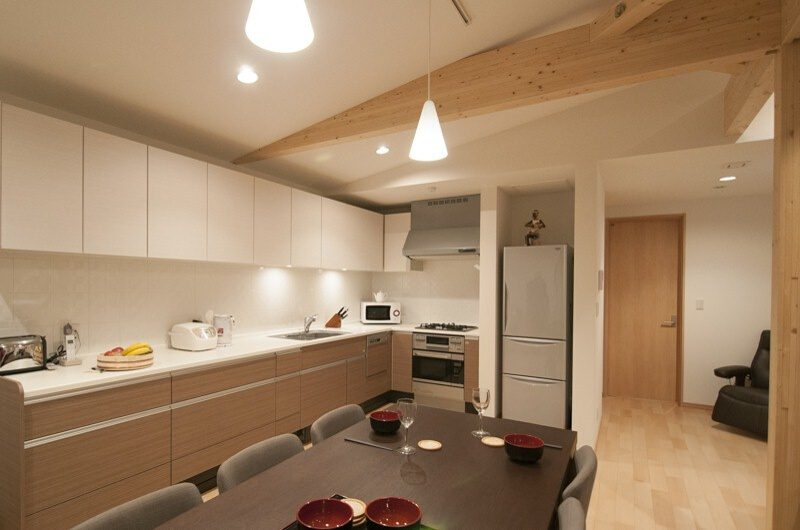 Silverfox Kitchen and Dining Area | St Moritz