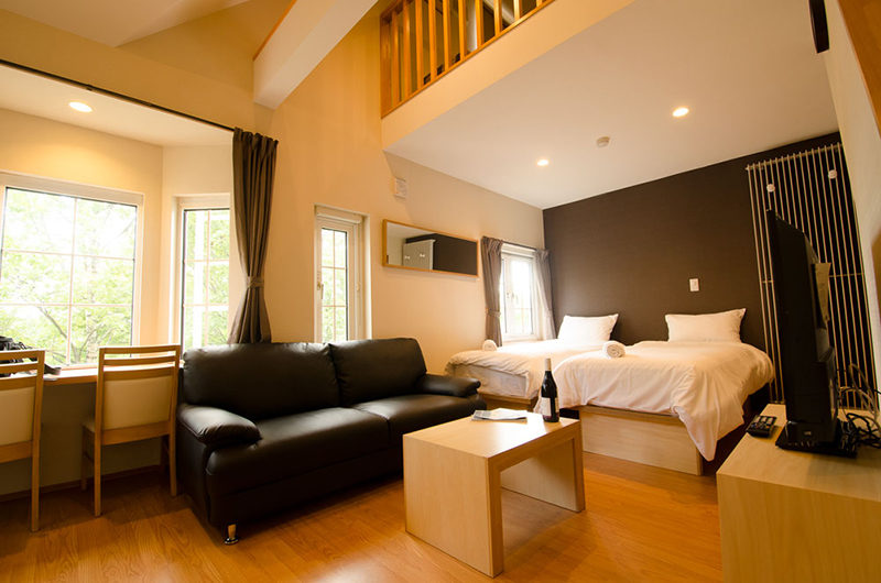 Snowbird Apartments Twin Bedroom with Sofa | Middle Hirafu