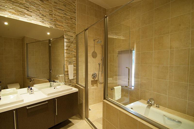 Snowbird Bathroom with Bathtub | Annupuri