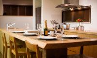 Tamo Dining with Crockery | Middle Hirafu