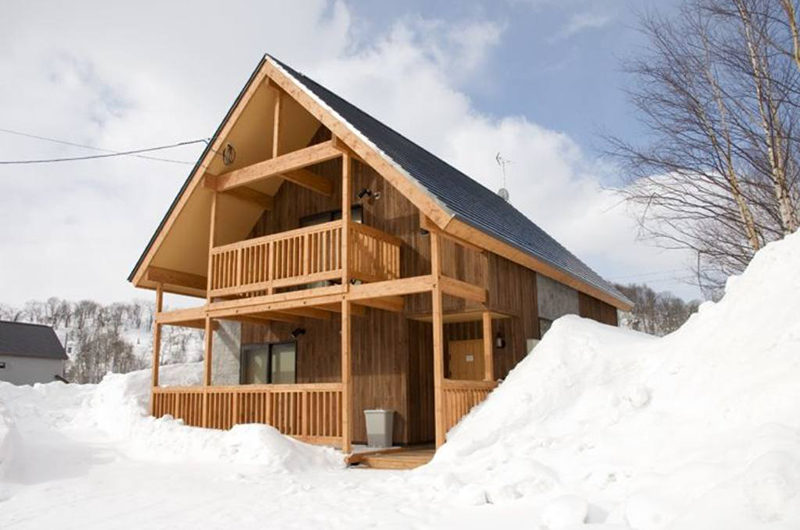 The Chalets at Country Resort Outdoor Area with Snow | West Hirafu