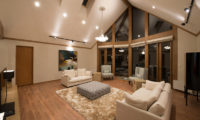 The Orchards Niseko Living Area Night View | West Hirafu