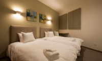 The Orchards Niseko Bedroom with Twin Beds | West Hirafu