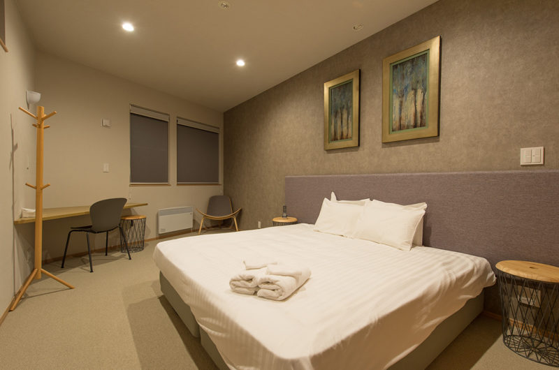 The Orchards Niseko Bedroom with Study Table | West Hirafu