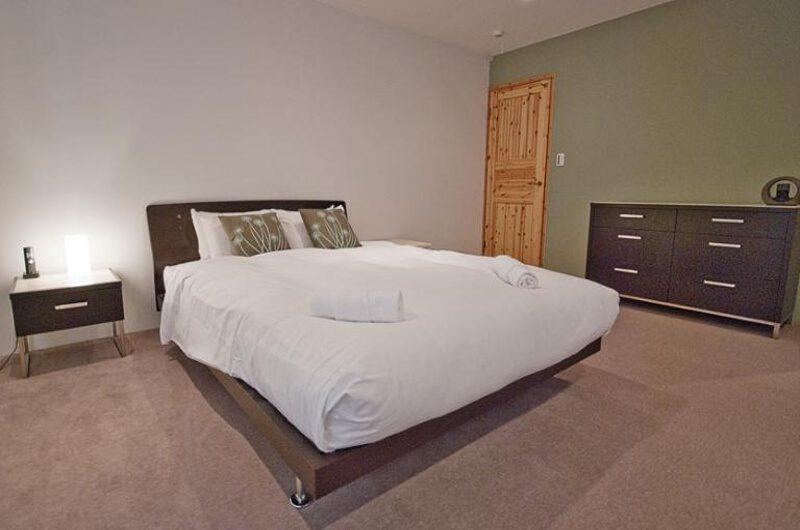 Toya Bedroom with Carpet | West Hirafu
