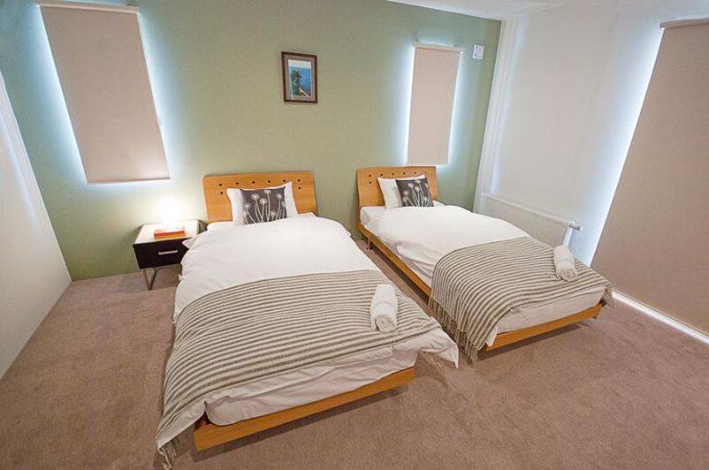 Toya Twin Bedroom with Carpet | West Hirafu