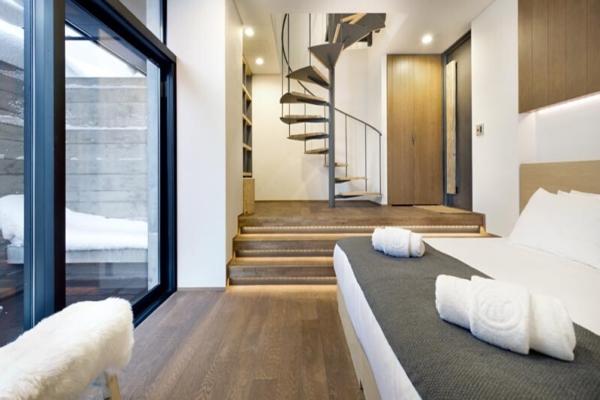 Yasuragi Bedroom with Up Stairs   Lower Hirafu