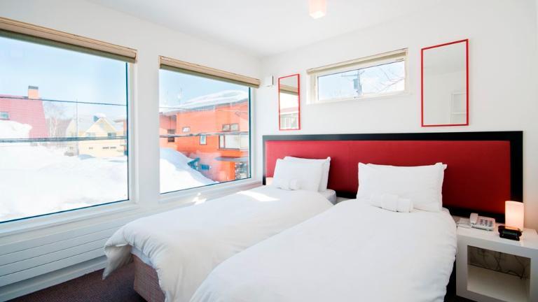 Yamabiko Hirafu Twin Bedroom with View | Lower Hirafu