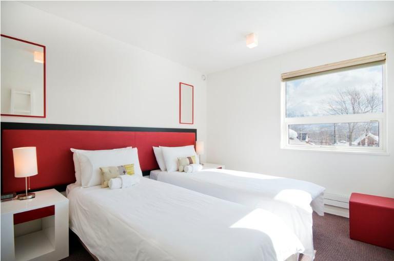 Yamabiko Hirafu Twin Bedroom with Carpet | Lower Hirafu