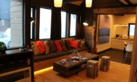 Momiji Lodge Lounge Area | Middle Hirafu