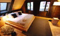 Momiji Lodge Bedroom with Wooden Floor | Middle Hirafu