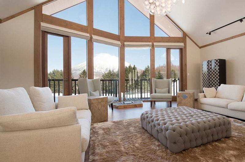 Goyomatsu Living Area with Mountain View | West Hirafu