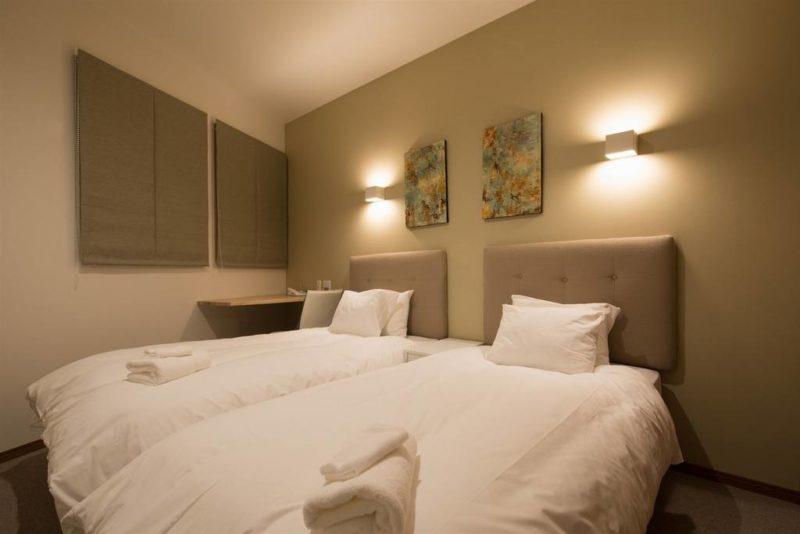 Kuromatsu Bedroom with Twin Beds | West Hirafu
