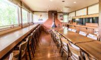 Jam Lodge Niseko Dining Area with Outdoor View | West Hirafu