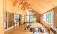 Potato Lodge Niseko Japanese Style Dining Area | Lower Hirafu