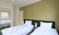 First Tracks Twin Bedroom with Mirror | Upper Hirafu