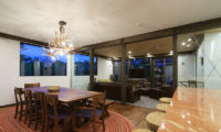 Gustavs Hideaway Dining Area Night View | Lower Hirafu
