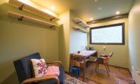 Gustavs Hideaway Study Room | Lower Hirafu