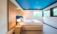 Gustavs Hideaway Bedroom with Windows | Lower Hirafu