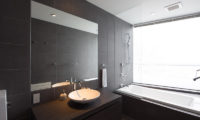 Kawasemi Residence Bathroom with Bathtub | Lower Hirafu