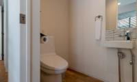 Kawasemi Residence Bathroom with Mirror | Lower Hirafu