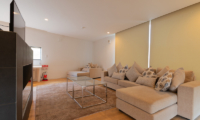 Kawasemi Residence Lounge Area with TV | Lower Hirafu