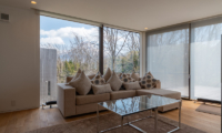 Kawasemi Residence Sofa with View | Lower Hirafu
