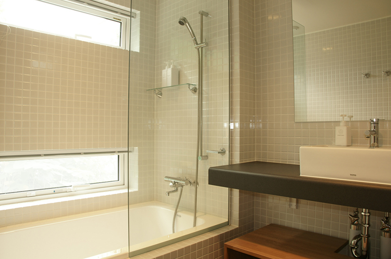 Baw Baw Sansou Bathroom with Bathtub | Middle Hirafu Village