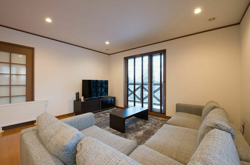 Kiseki Lounge Area with TV | Upper Hirafu
