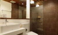Shungyo Bathroom with Shower | East Hirafu