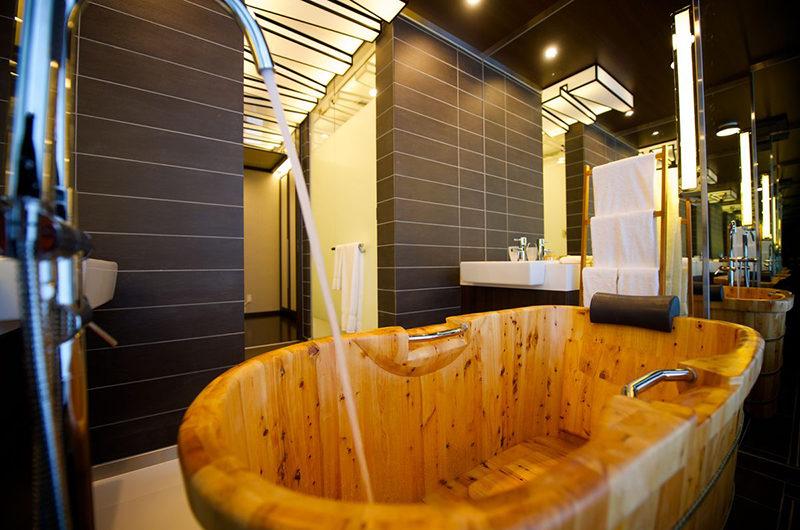 Kasara Townhouses Bathroom with Bathtub | Niseko Village