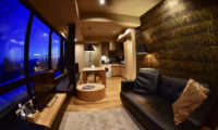 Matthew Suites Living Area at Night | Middle Hirafu