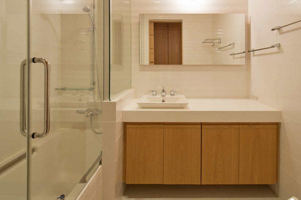 Akari Bathroom | Outer Hirafu