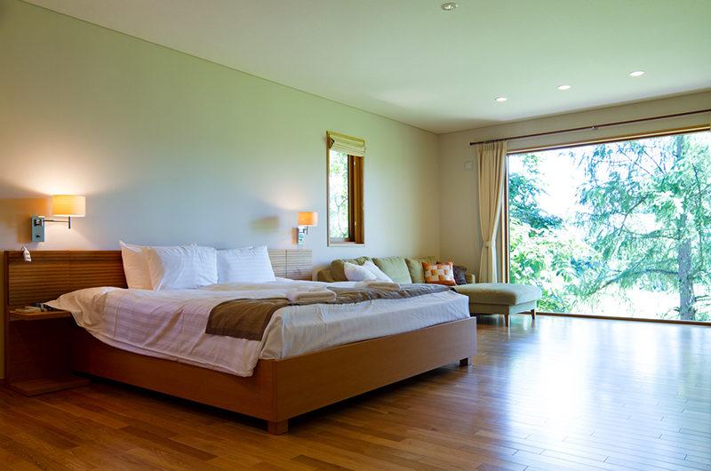 Akari Bedroom with Wooden Floor | Outer Hirafu