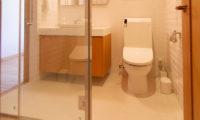 Akari Bathroom at Night | Outer Hirafu
