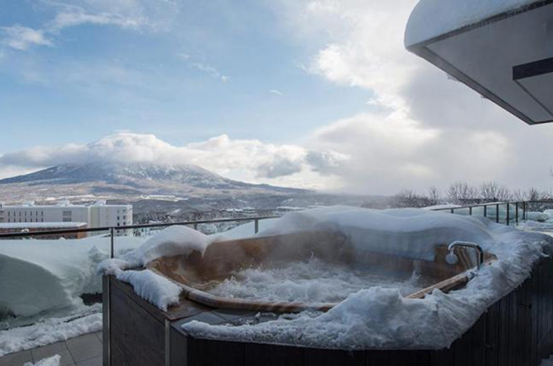 Ki Niseko Jacuzzi on the Deck | Upper Hirafu