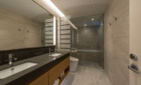 Kozue His and Hers Bathroom with Shower | Middle Hirafu