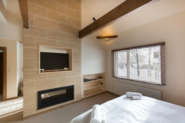 Gresystone Bedroom with TV | Lower Hirafu