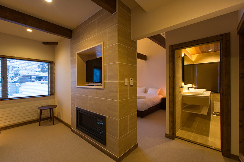 Gresystone Bedroom with Carpet | Lower Hirafu