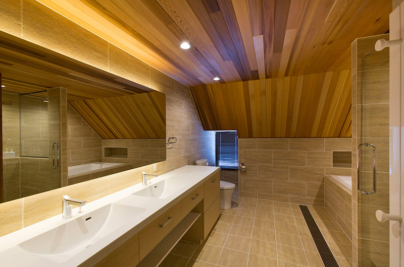 Gresystone Spacious Bathroom | Lower Hirafu