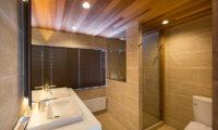 Gresystone Bathroom with Dual Sink | Lower Hirafu
