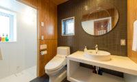 Heiwa Lodge Bahroom | West Hirafu