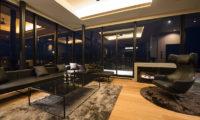 Muse Niseko Living Area Night View | Middle Hirafu