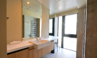 Muse Niseko Bathroom | Middle Hirafu