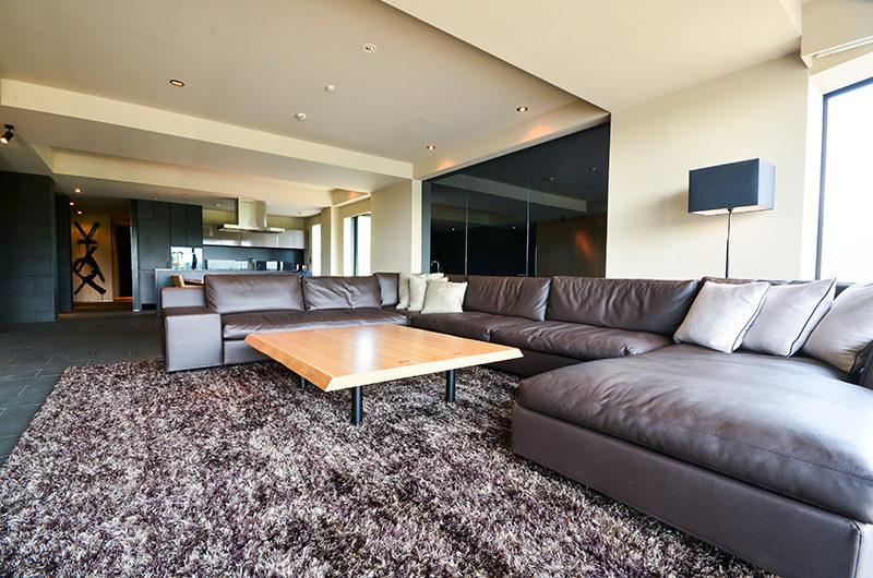 Muse Niseko Lounge Area | Middle Hirafu