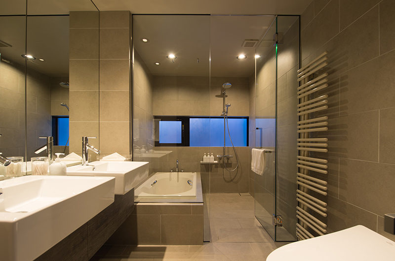 Aspect Niseko His and Hers Bathroom | Middle Hirafu Village